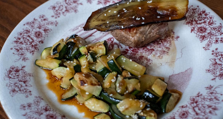 Tuto : Pièce de veau, poêlée de courgettes et chips d'aubergines